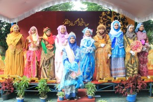 Para peserta Princess and Queen of Language Competition