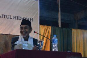 Tausyiah K.H. Hasan Abdullah Sahal saat acara Sujud Syukur
